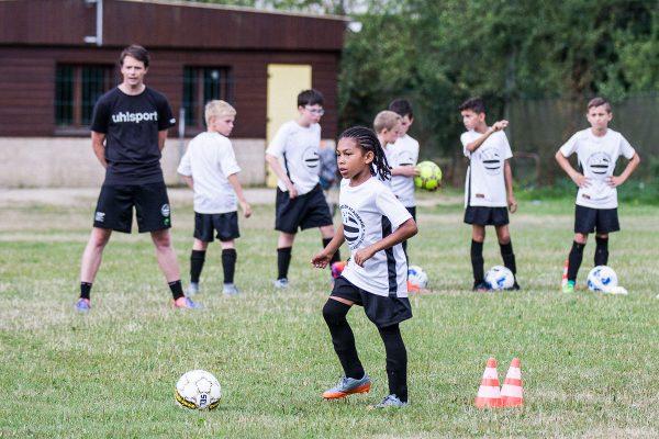Stage de Football pour jeunes Parisiens