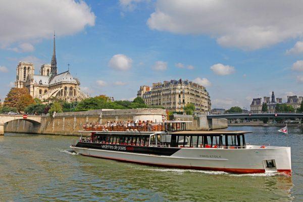 Bon plan anniversaire avec les Vedettes de Paris c'est gratuit