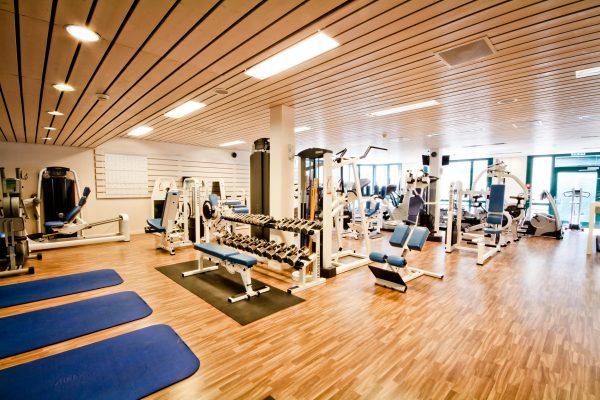 Invitation à la salle de fitness pour une séance gratuite