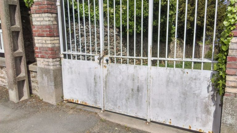 portail vieux fer